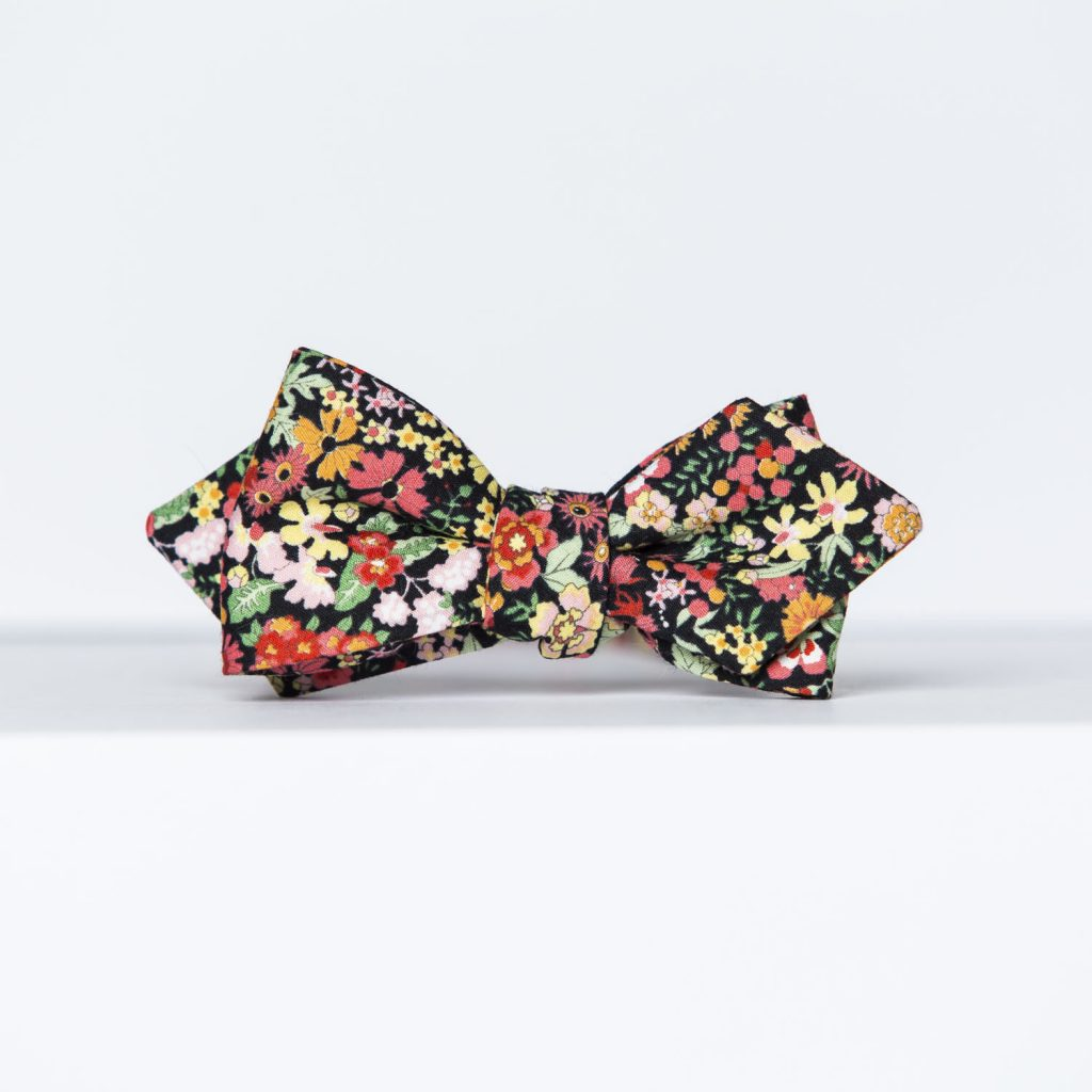 Wildflower Floral Arrow Bow Tie